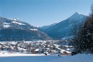Altenmarkt liegt im Pongau, hat knapp 4000 Einwohner und ist Mitglied in der Sportwelt Ski amadé. Zusammen mit der kleinen Ortschaft Zauchensee veranstaltet die Gemeinde wichtige Großveranstaltungen, unter anderem alpine Ski-Weltcuprennen. - Foto: Altenmarkt-Zauchensee Tourismus