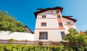 Das Pfalzhotel Asselheim verfügt über 88 Zimmer und 16 Tagungsräume. - Foto: Logis-Pfalzhotel Asselheim