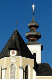 Die Pfarrkirche in St. Veit im Pongau – diese Region hat für Touristen wirklich viel zu bieten. Sowohl Urlaubsreisen mit Familien als auch stimmungsvolle Tagungen und Feste machen im Pongau viel Spaß! Foto: alsen (CC0-Lizenz)/ pixabay.com