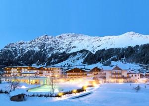 Das Hotel Schneeberg im Winter.