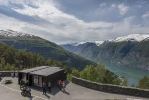 """Das schönste """"Sitzungszimmer"""" der Welt steht bei Stegasteinen im Westen Norwegens. - Foto: www.visitnorway.com"""
