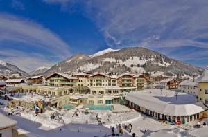 In den vergangenen Jahren wurden in das Hotel 30 Millionen Euro investiert. - Foto: Leading Family Hotel & Resort Alpenrose