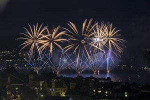 Die Feuerwerke am Freitag- und Samstagabend zählen zu den größten und schönsten der Schweiz. - Foto: Zürich Tourismus
