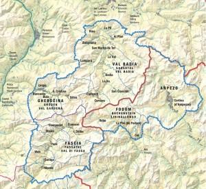 """Ladinien umfasst fünf Talschaften und erstreckt sich auf etwa 1300 km2. Die Täler sind über die Pässe Grödnerjoch, Sellajoch, Campolongo-Pass, Pordoi-Pass, Valparola und Falzarego miteinander verbunden. – Grafik: Istitut Ladin """"Micurà de Rü"""""""