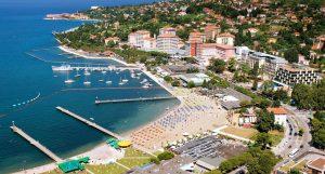Portorož kommt äußerst mondän daher und ist das krasse Gegenstück zu Piran. – Foto: Tourismunsverband Portorož
