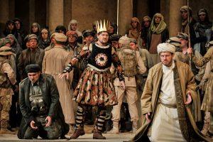 Nabucco mit Evez Abdulla (Nabucco) und Bálint Szabó (Zaccaria) läuft 2016 im Oberammergauer Passionstheater. Foto: Arno Declair