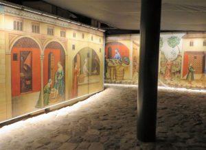 Von den ehemaligen Gebäuden der Johanniter, der Kreuzfahrerstadt, sind ein Dormitorium, ein Refektorium und sieben Säle, von denen heute einer Konzertsaal ist, ausgegraben. Weitere Räume beherbergen eine sehenswerte Ausstellung über das Leben während der Kreuzzüge.