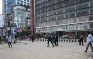 Es braut sich was zusammen - Unruhen können in Bangladesch von jetzt auf gleich losbrechen.