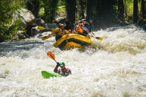 Raftingtour auf dem Roaring Fork River. - Foto: RedMtmProductions