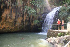 Nördlich von St. George's stürzen sich die Annandale Falls zehn Meter in die Tiefe.