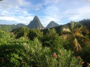 Ein magischer Anblick: Der Gros und der Petit Piton sind die Wahrzeichen Saint Lucias.