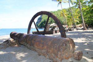 Früher kriegerisch - heute malerisch: Zeitzeugen der umkämpften Karibikinseln
