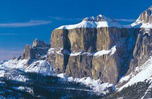 Die Sellagruppe, oder einfach Sella, ist ein plateauförmiger Bergstock. Sie befindet sich zu Teilen in Südtirol, im Trentino und in Venetien. Höchster Gipfel der Gruppe ist der Piz Boè mit 3152 Metern.
