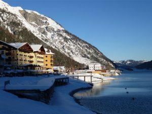 Traumhafte Lage: Das Hotel Post am See in Pertisau überzeugt in allen Bereichen. – Foto: Anke Sieker