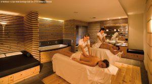 Ganz neu im Ermitage sind haki-Massagen: nicht einfach nur eine Behandlung, sondern ein ganzheitliches und maßgeschneidertes Konzept gegen den zunehmenden Alltags-Stress. Foto: Ermitage Wellness & Spa Hotel