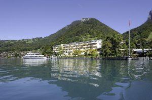 Das Beatus Wellness & Spa Hotel liegt direkt an einem der schönsten Seen der Schweiz. Foto: © 2017 pressegroup