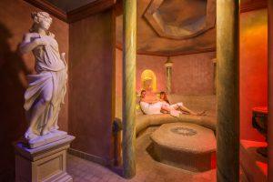 In den Saunen liegt ein warmer Zirbenduft in der Luft. - Foto: Krumers Alpin Resort & SPA