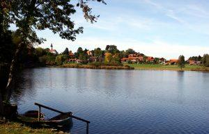 Ein lauschiges Plätzchen ist der Soier See in Bad Bayersoien. - Foto: Ammergauer Alpen / Hanspeter Schoene