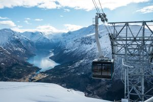 Die Steilste Seilbahn der Welt wurde in Fjordnorwegen eröffnet. - Foto: Bard Basberg / Loen Skylift