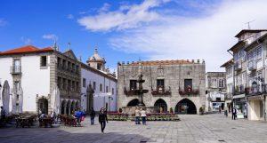 Für die Praça da República ist Viana do Castelo bekannt.