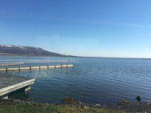 Der See Laugarvatn mit Fontana Bad. - Foto: Piroth-Kommunikation