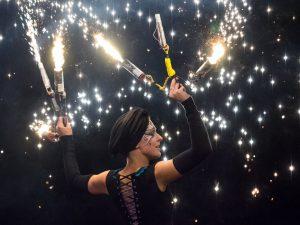 Spektakuläre Feuershows verzaubern das Publikum. Foto: © Kaltenberger Ritterturnier