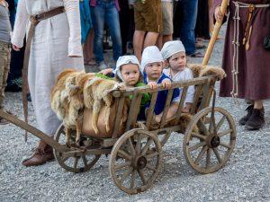 Für die Kleinen gibt es ein Extra-Kinderprogramm. Foto: © Kaltenberger Ritterturnier