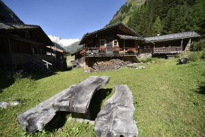 Am Fuße des Großvenedigers befindet sich der anerkannt schönste Talschluss der Ostalpen – das sogenante Innergschlöß. - Foto: Osttirol Werbung / Aichner