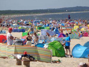 """Das polnische Strandbad Swinemünde (Świnoujście) mausert sich zum """"Rimini"""" von Usedom. Die 41 000-Einwohner-Stadt boomt wie wohl keine andere Stadt vergleichbarer Größe in Polen. - Foto: Dieter Warnick"""