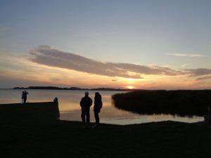 Die Sonne ist in wenigen Augenblicken verschwunden. - Foto: Dieter Warnick