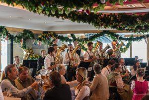 Feiern auf knapp 3000 Metern -das ist vom 16.-24. Septemebr auf der Zugspitze möglich. - Foto: Tiroler Zugspitzbahn/ FroZenLights