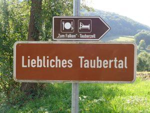 Das Liebliche Taubertal hat sich seine fränkische, badische und württembergische Identität bewahrt.