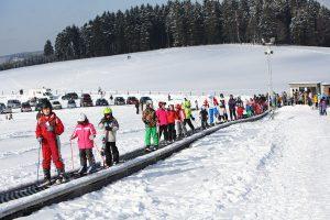 Transportband im Skigebiet Olpe-Fahlenscheid. - Foto: Wintersport-Arena Sauerland/Siegerland-Wittgenstein