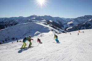 Auf breiten Pisten locker in den Winter schwingen. - Foto: Ski Juwel Alpbachtal Wildschönau