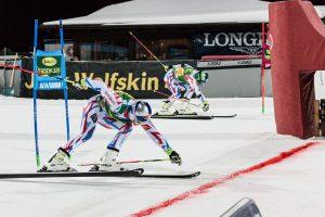 Spannender Direktvergleich – beim nächtlichen Parallel-Riesenslalom in Alta Badia geht es für die Athleten zeitgleich die Piste hinunter. - Foto: Jan-Andrè Sorarù
