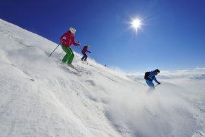 Abenteuerlich: Mit Skiguides geht es die coolsten Hänge hinunter. - Foto: Norbert Eisele-Hein