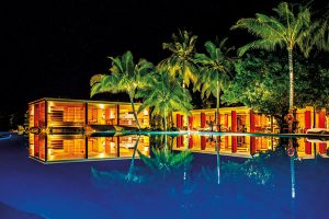 """""""Amilla Fushi"""", Malediven: Der """"Food Bazar"""" am Pool bietet diverse kulinarische Erfahrungen aus der ganzen Welt. - Foto: Amilla Fushi Resort"""