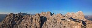 """Im Rahmen der Ausstellung """"Ötzi und Valmo – die ersten Menschen in den Alpen"""" öffnet auch das Lagazuoi Expo Dolomiti, ein brandneues Ausstellungs- und Konferenzzentrum auf dem Berggipfel Lagazuoi. - Foto: Cortina Marketing"""