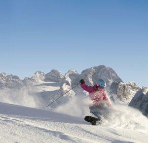 Vom 10. bis 18. März ist das Skivergnügen in der Region Dachstein-West besonders groß. - Foto: Bergbahn Dachstein-West / Manfred Schoepf