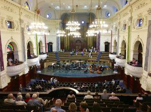 Im Konzertsaal der City Hall.