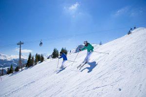 Skifahren bei Sonnenschein. - Foto: TVB Rauris | Gruber Michael
