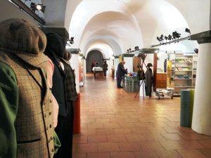 Übersichtlich geht es zu im Trachteninformationszentrum in Benediktbeuern. - Foto: Sabine Rauscher