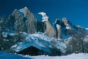Eine gewaltige Bergwelt wartet auf die Gäste des Fassatals.
