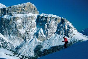 Für die alpinen Skifahrer warten im Fassatal zahlreiche Herausforderungen.