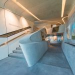 Eine zentrale Ausstellungsfläche als Mittelpunkt des Museums bietet Platz für größere Exponate und Präsentationen. - Foto: MMM Corones | Wisthaler Harald