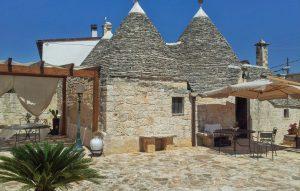 Renovierter Trullo aus Stein in der Nähe von Alberobello. Foto: NOVASOL Ferienhausvermittlung/Holidu.de