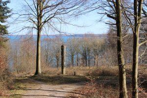 Wandern in einer mit Kunst angereicherter Landschaft bieten die Buchenwälder um Aabenraa