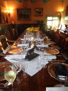 Die Tafel ist angerichet: Essen wie Gott in Frankreich – das ist im Restaurant St. Geroges in Dieterode jederzeit möglich. – Foto: Dieter Warnick