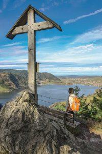 Der Schlierseer Höhenweg hat einen ganz besonderen Reiz. – Foto: Lisa und Wilfried Bahnmüller / J. Berg Verlag