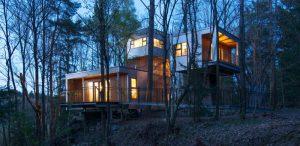 Auf Design müssen Gäste in den Baumhaus-Lodges in Schrems  nicht verzichten. – Foto: Baumhaus-Lodge Schrems
